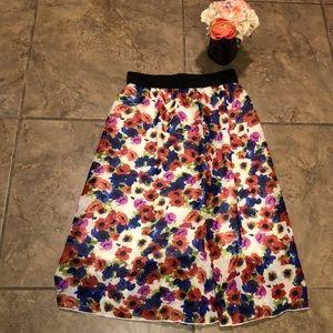 Lularoe XS Lola Floral Skirt